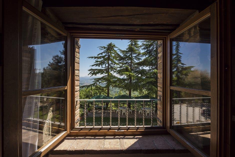 konserwacja okien drewnianych