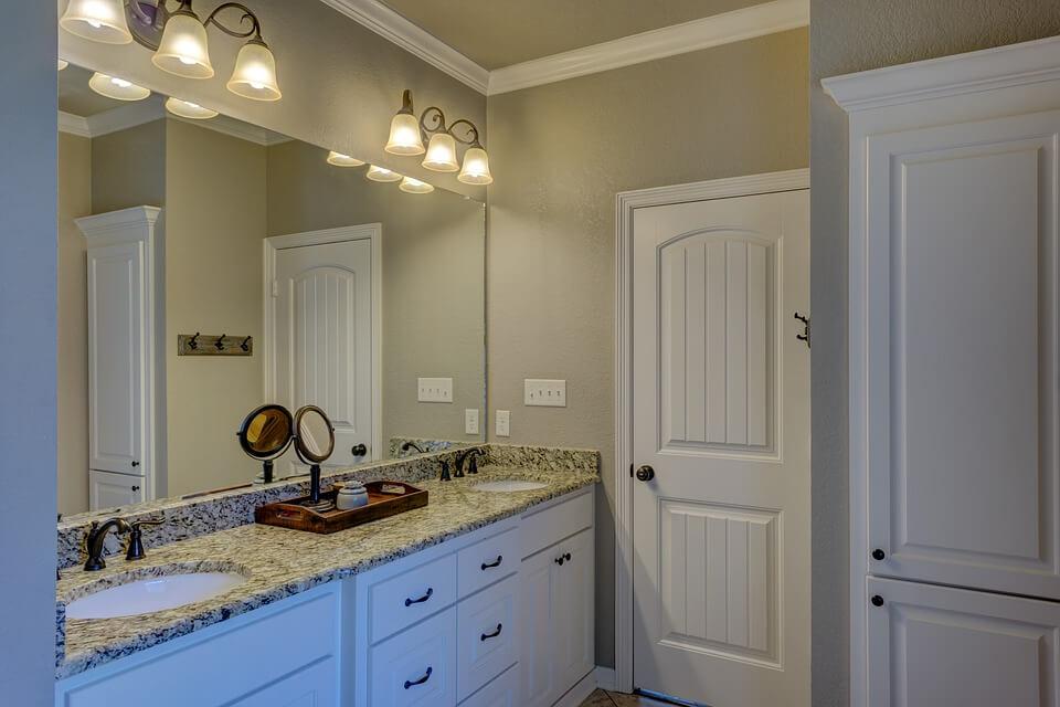 wyposażenie łazienki w mieszkaniu