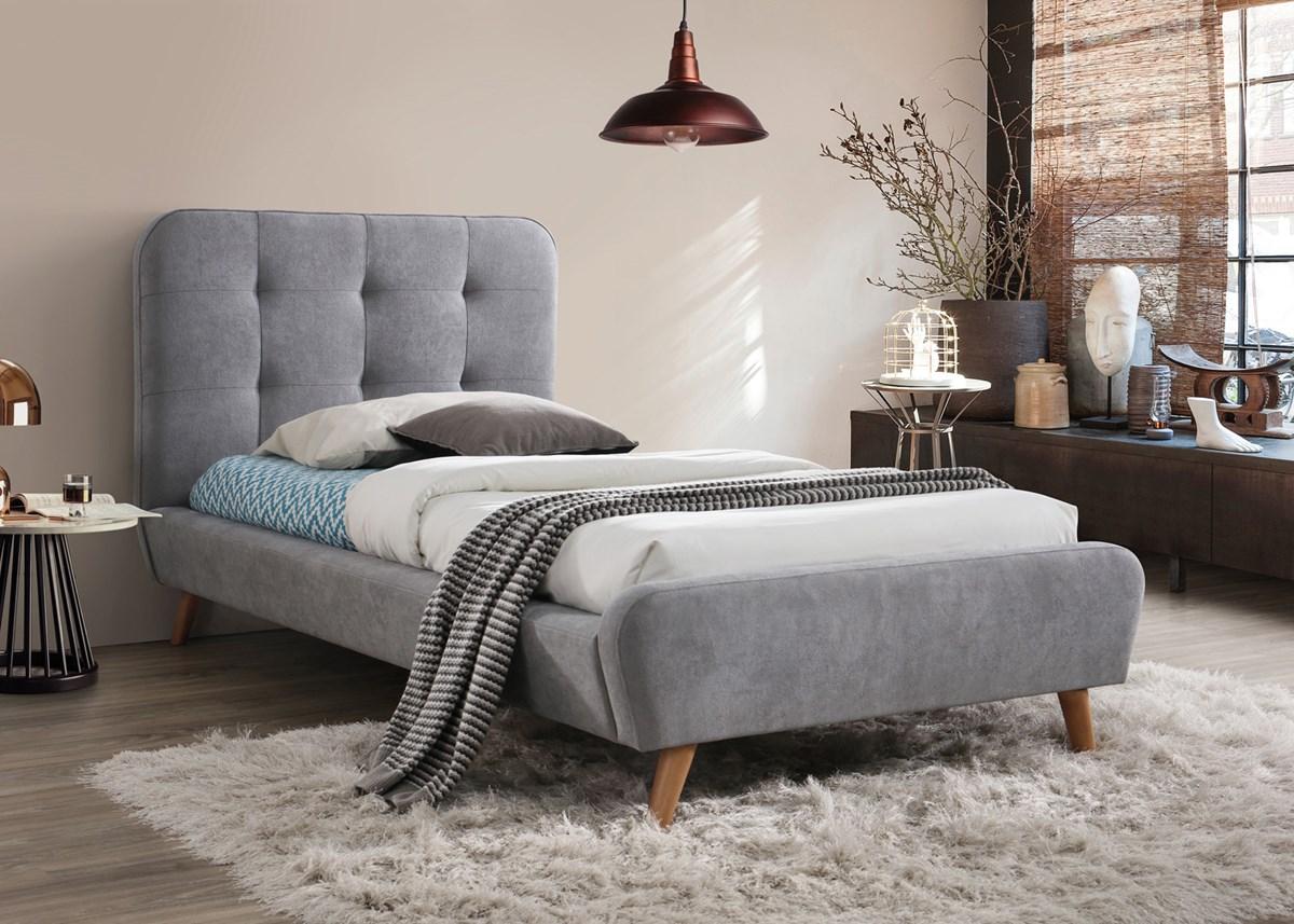 Wygodne łóżka do sypialni z materacem